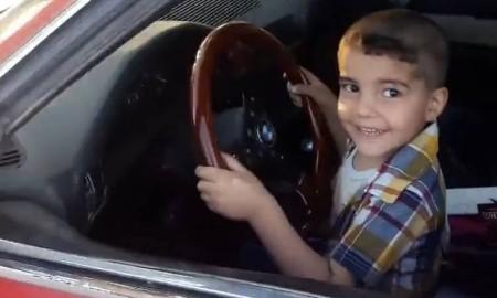 Bocah Tiga Tahun Drifting